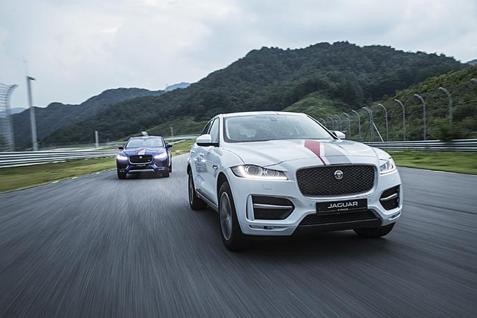 2016 | F-PACE