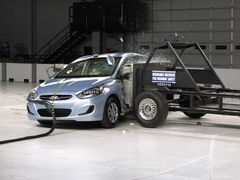 [IIHS] 2012 Hyundai Accent side IIHS crash test