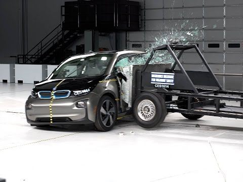 [IIHS] 2017 i3 side IIHS crash test