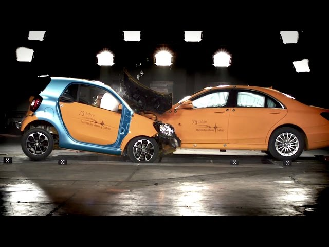 [YouCar] CRASH TEST: S-Class VS. Smart