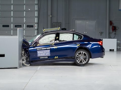 [IIHS] 2017 3 series small overlap IIHS crash test