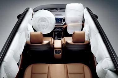 운전석 / 동승석 어드밴스드 에어백 (6 에어백 시스템)이미지