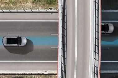 고속도로 주행 보조(내비게이션 패키지 선택 시)