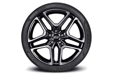 235/35R19 피렐리 P Zero 타이어 & 19인치 알로이 휠이미지