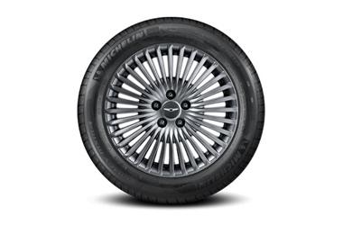 245/50R18 미쉐린 타이어 & 18인치 멀티 스포크 타입 휠이미지