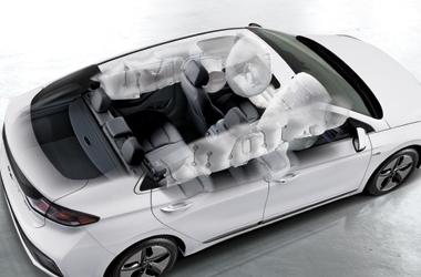 7 에어백 시스템 (앞좌석 어드밴스드, 운전석 무릎, 앞좌석 사이드, 커튼, 전복대응커튼 포함)이미지