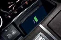 앞좌석 스마트폰 무선 충전이미지